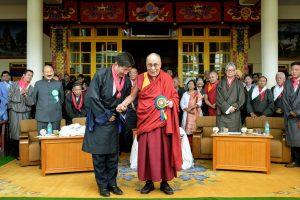 L. Sangay prisaikdintas Tibeto vyriausybės tremtyje vadovu