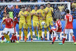 Rumunų ir šveicarų rungtynės Europos futbolo pirmenybėse baigėsi taikiai