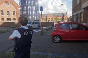 """Belgijoje """"Allahu Akbar"""" šaukdamas vyras mačete puolė policininkes"""