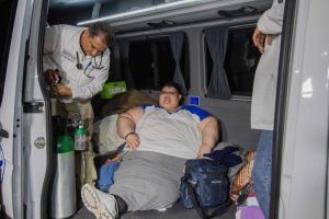 500 kg sveriantį meksikietį iš namų teko iškelti specialia įranga
