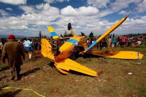 Per istorinių lėktuvų skrydį Afrikoje sudužo orlaivis, žmonės nenukentėjo