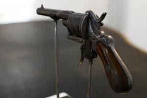 Istorinis Prancūzijos revolveris parduotas už daugiau kaip 400 tūkst. eurų