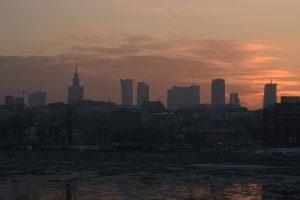 Pietų Lenkijoje dėl smogo uždaromos mokyklos