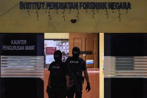 Malaizijoje nužudyto Kim Jong Namo palaikus saugojo ginkluota apsauga