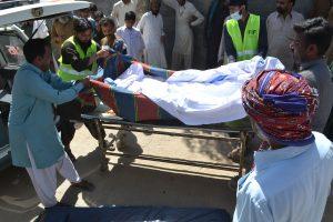 Pakistane mečetės prižiūrėtojas nužudė 20 maldininkų