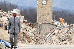 Velso princas ir popiežius susitiko su žemės drebėjimą išgyvenusiais italais