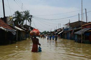Potvynių paveiktoje Indijoje nuo žaibų žuvo 21 žmogus