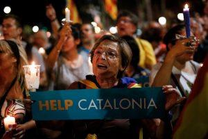 200 tūkst. katalonų išėjo į Barselonos gatves