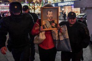 Maskvoje per kontroversiško filmo premjerą sulaikyti protestuotojai