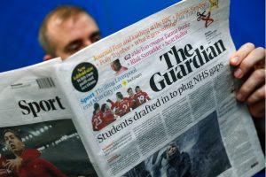 """Britų dienraštis """"The Guardian"""" pereina prie bulvarinio formato"""