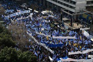 Tūkstančiai graikų protestuoja prieš kompromisą dėl Makedonijos pavadinimo