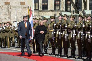 Gynybos ministrai aptarė pasirengimą atremti informacines atakas