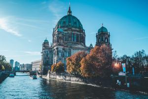 Berlynas: nuo apleistų CŽV pastatų iki linksmybių šimtamečiame šokių klube
