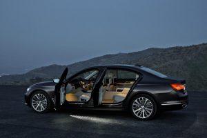 """Naujasis """"BMW 7"""" įvertintas už automobilio kėbulo inovacijas"""