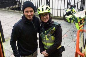 D. Beckhamas parodė gerą širdį gatvėje laukusiai felčerei ir jos pacientui