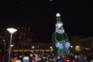 Sutikti šventes Palangoje kviečia didžiausias šalyje Kalėdų senis