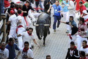 Pamplonoje prasidės bėgimo su buliais festivalis