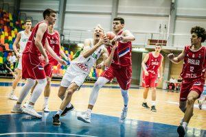 Lietuvos jaunieji krepšininkai Europos pirmenybių starte įveikė Serbiją