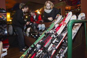 Blusturgyje – žiemos pramogų entuziastų antplūdis