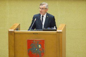 Seimo pirmininkas: okupantai norėjo mus paversti kurčiais ir aklais