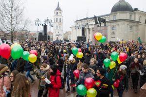 Lietuvos valstybės keliu žygiavo tūkstančiai moksleivių