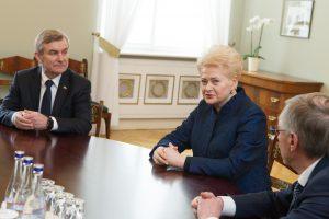 """D. Grybauskaitė: """"visi šešėliai"""" dėl VRK darbo turi būti panaikinti"""