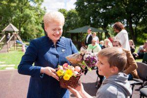 Prezidentės iniciatyva – vasaros atostogos šimtams Lietuvos vaikų