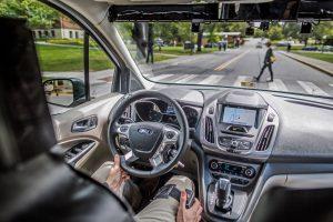 """""""Ford"""" kuria ženklų kalbą autonominiams automobiliams"""