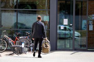 Darbo metu valdininkas keliauja į sporto klubą