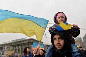 """Ukrainos visuomenė nenumano apie oligarchų ir """"botų"""" įtaką žiniasklaidai"""