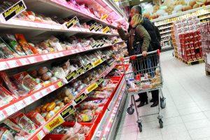 Apklausa: reguliariai apsipirkti į Lenkiją važiuoja dešimtadalis lietuvių