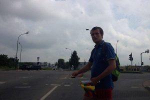 Gatvėse – reketas su trispalvėmis vėliavėlėmis