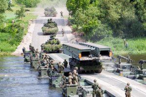 NATO atstovai: tikrai ginsime Lietuvą