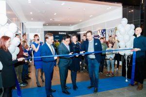 """Kauno """"Akropolyje"""" duris atvėrė nauja """"Samsung"""" parduotuvė"""