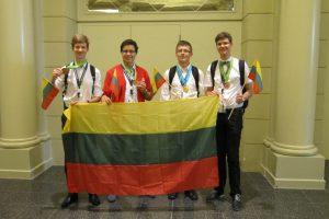 Tarptautinėje fizikos olimpiadoje Lietuvos moksleiviams – auksas ir bronza