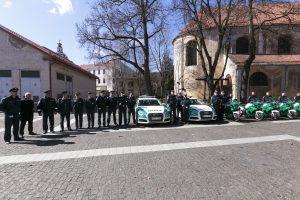 Į gatves išlydėti motociklais patruliuosiantys pareigūnai