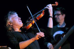 Mirė garsus prancūzų džiazo smuikininkas