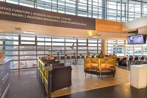 Vilniaus oro uoste keleiviai gali išbandyti modernius baldus