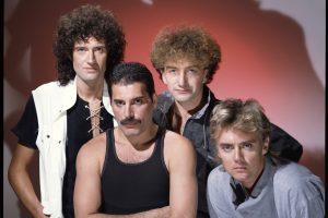 """Grupės """"Queen"""" gerbėjams – dviguba staigmena"""