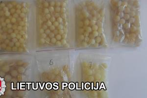 Vietoj gintaro už 23 tūkst. eurų – iš dervos pagamintas plastikas
