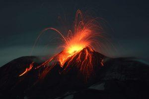 Etnos ugnikalnis vėl spjaudosi lava