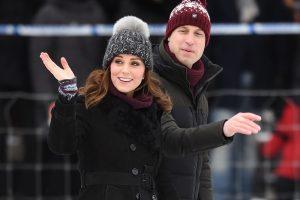 Švedijoje viešintis Britanijos princas Williamas ir jo žmona Kate išbandė bandį