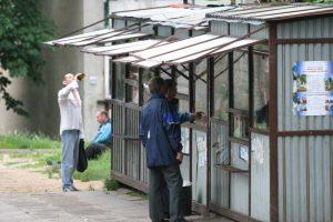 Vyriausybė ir Seimas nesutaria dėl prekybos odekolonu