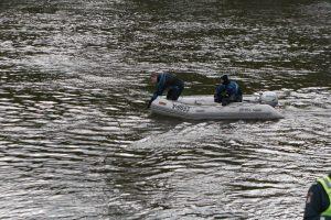 Plungės rajone į upę įvažiavo automobilis