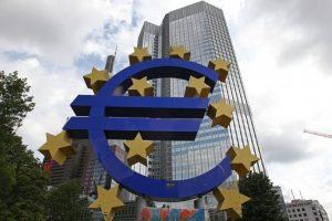 Sumažino euro zonos BVP augimo prognozę
