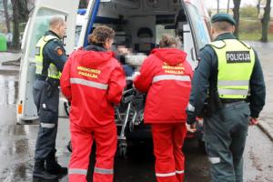 Po smūgių gatvėse – į ligoninę