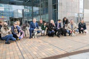 Vilniaus savivaldybėje – šuns diena: ir meras dirbo su augintiniu