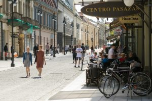 Išgražėjusioje Vilniaus gatvėje – pramogos ir gyvo garso koncertai