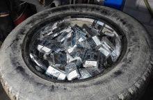 Mašinos ratuose slėpė per 1,5 tūkst. pakelių rūkalų