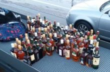Reidas terminale: nelegalūs alkoholiniai gėrimai, sulaikytas policijos ieškotas vyras